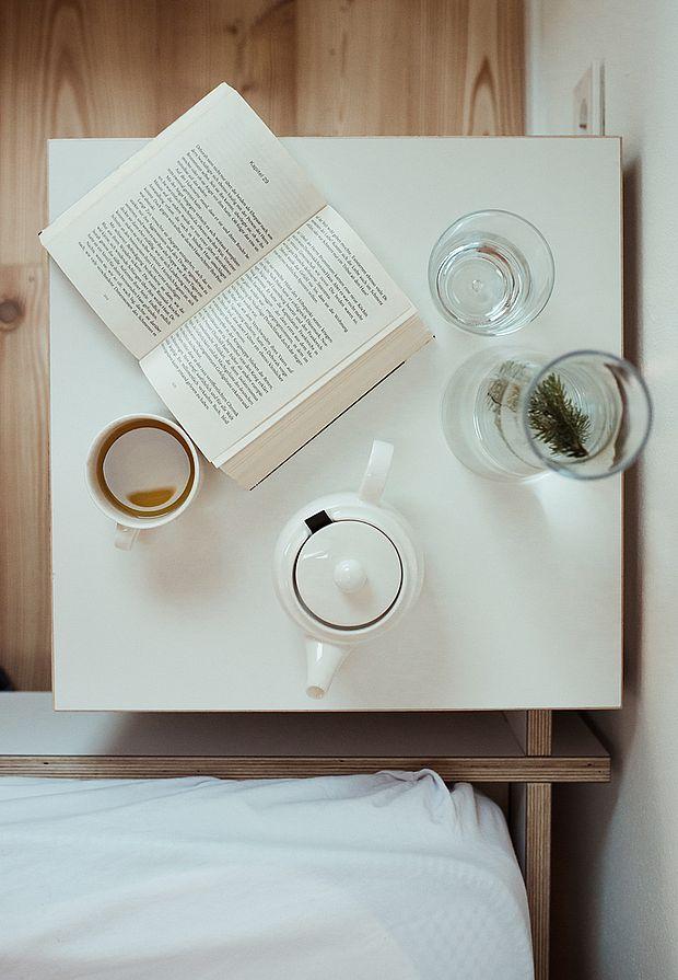 Erholung und Komfort mit einem Buch
